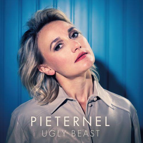 Singer/songwriter Pieternel wil het taboe doorbreken rondom burn-out en mentale gezondheid